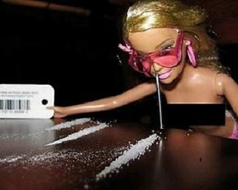 Barbie-Doll-does-coke